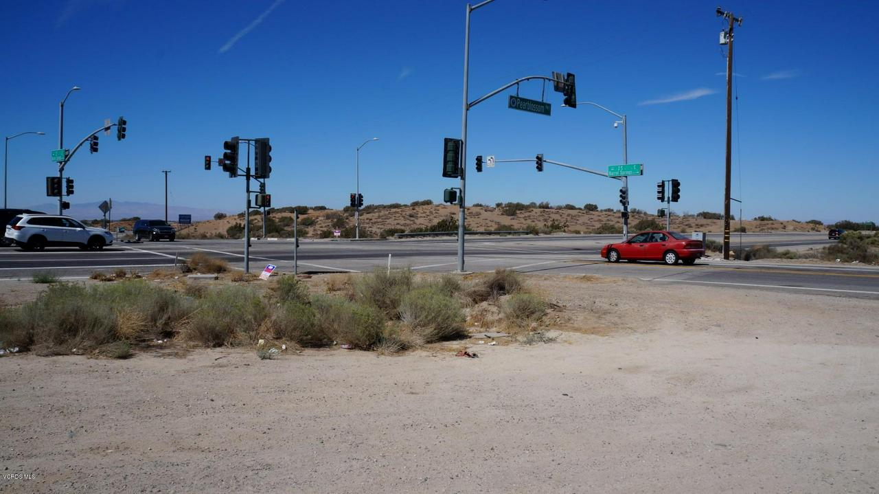 PEARBLOSSOM HIGHWAY/25TH ST E, Palmdale, CA 93550