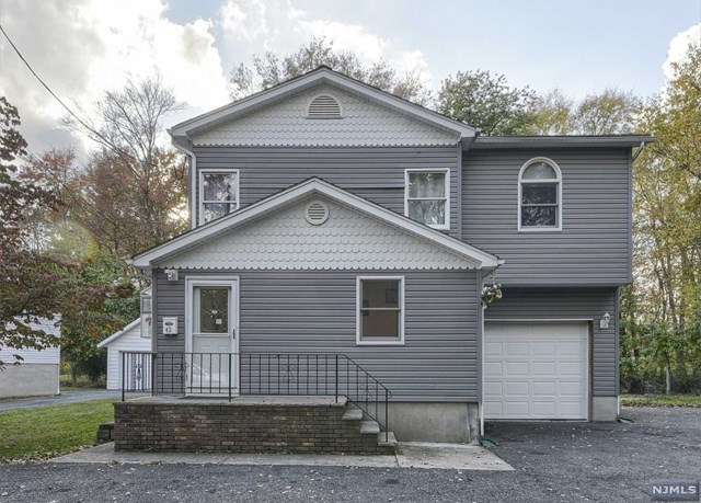 43 Garrow Avenue, Pequannock Township, NJ 07440