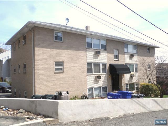 288 Undercliff Avenue, Edgewater, NJ 07020