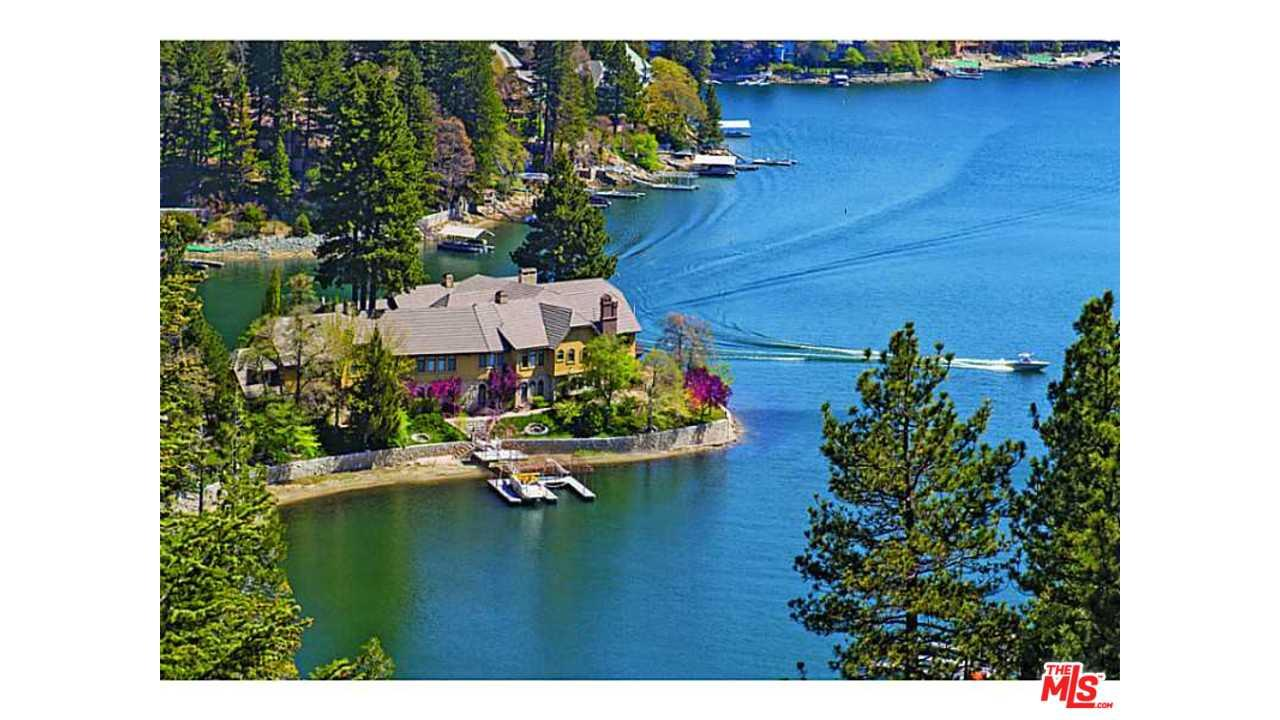 177 SHOREWOOD Drive, Lake Arrowhead, CA 92352