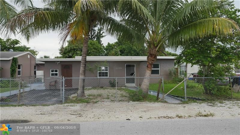 EXCELLENT OPPORTUNITY FOR INVESTORS!!! 2BED-1BATH MAIN HOUSE WITH 2 ADDITIONAL IN LAW QUARTERS CONSISTING OF A 1-1 WITH KITCHEN. HURRICANE IMPACT WINDOWS THROUGHOUT AND NEWER A/C. MINUTES TO BEAUTIFUL BEACHES, WORLD CLASS SHOPPING/DINNING AND AIRPORT. 1226 NW 1 AVE(RIGHT NEXT DOOR) ALSO FOR SALE, MAKE THIS 1 BIG COMPOUND.  EASY TO SHOW CALL LISTING AGENT