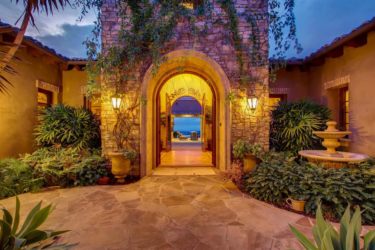 7930 Camino de Arriba, Rancho Santa Fe, CA 92067