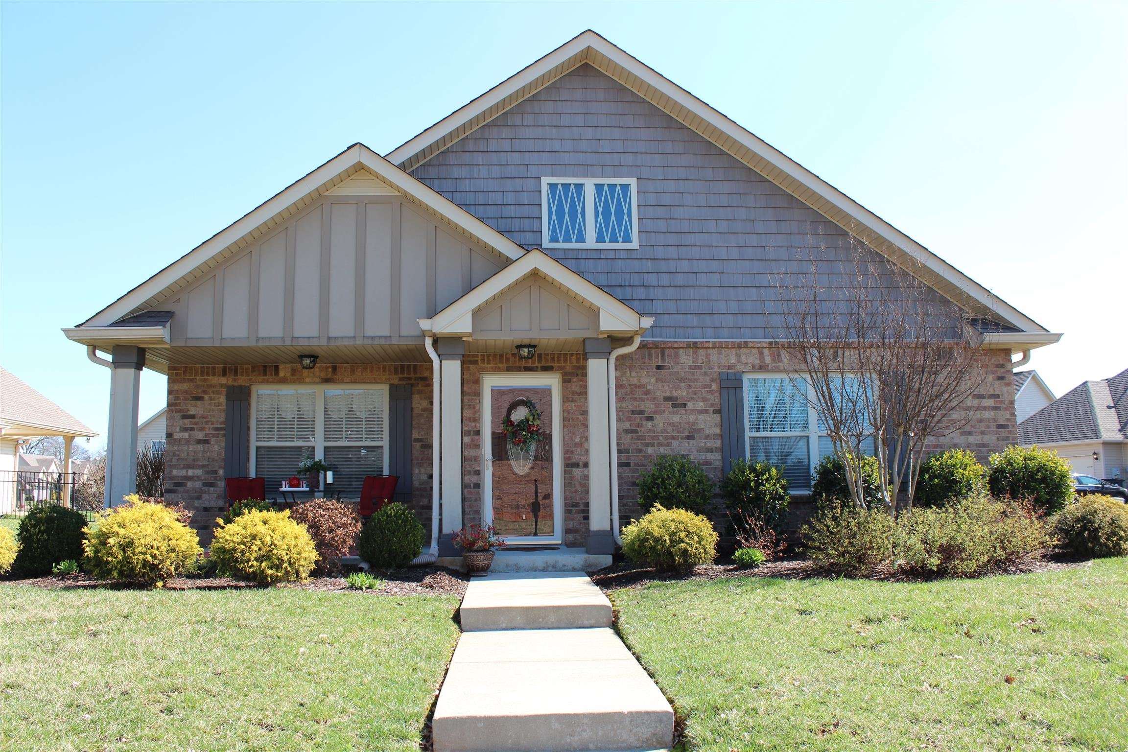 Homes for sale in hickory wild tn for Flooring clarksville tn