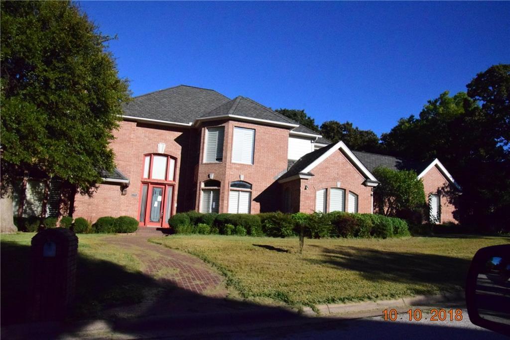 5005 Deerwood Park Drive, Arlington, TX 76017