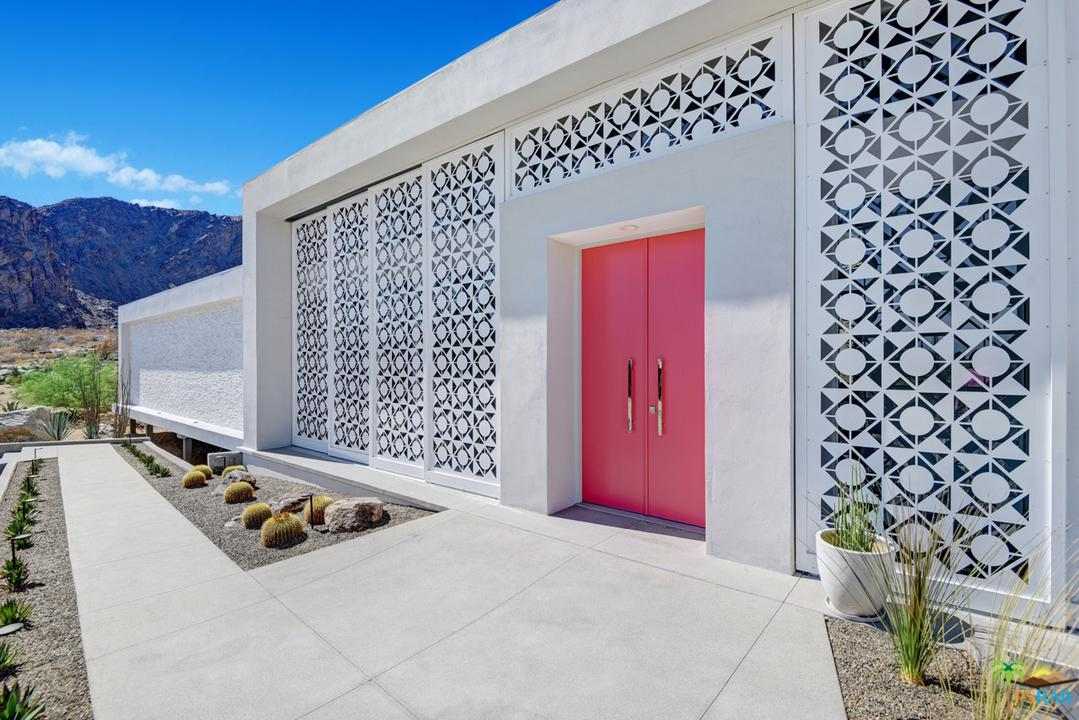 884 S LA MIRADA Circle, Palm Springs, CA 92264