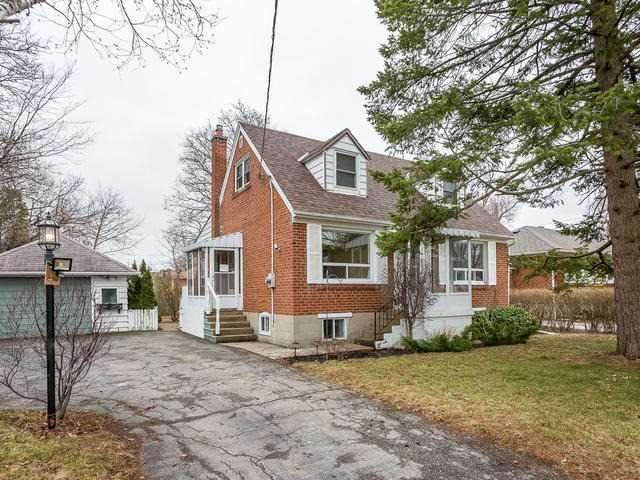32 Dromore Cres, Toronto, ON M2R 2H5