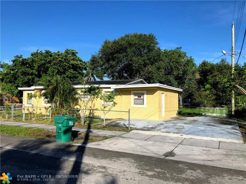 Great cheap 3 bedroom 2 bathroom house in Franklin park. Perfect for an investor. House will have a tenant paying $1,750 Section 8 starting on November 01 2018. Property was recently renovated and features a newer kitchen, bathrooms.