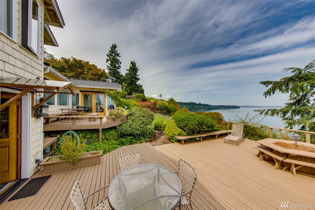 11008 NE Mountain View Rd, Bainbridge Island, WA 98110