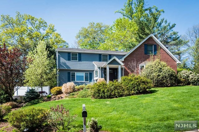 12 Colonial Heights Drive, Ramsey, NJ 07446