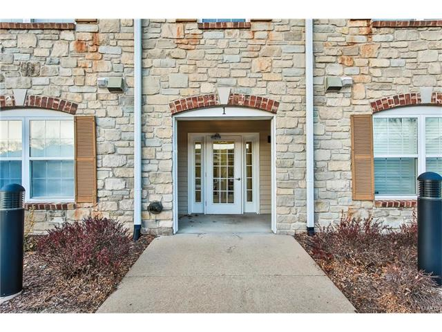 1 Monarch Trace Court, Chesterfield, MO 63017