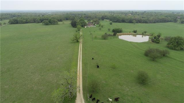 Beautiful country home 10 mins. from Rockdale, 45 mins. from Temple/Belton and an hour from Bryan/College Station.   Enjoy the county life with a gorgeous view from 2 different decks over looking a pasture with a pond.   Shingles (steel) recently replaced and home has 2 fireplaces, 2 hot water heaters and 2 water wells. Wildlife includes deer. Great for raising horses, cows or just a Gentleman's Ranch.