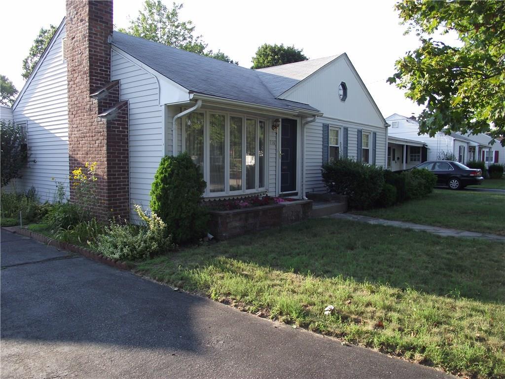 116 Weeden AV, East Providence, RI 02916