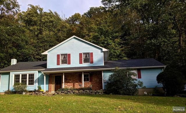 12 Silver Fox Lane, Vernon, NJ 07461