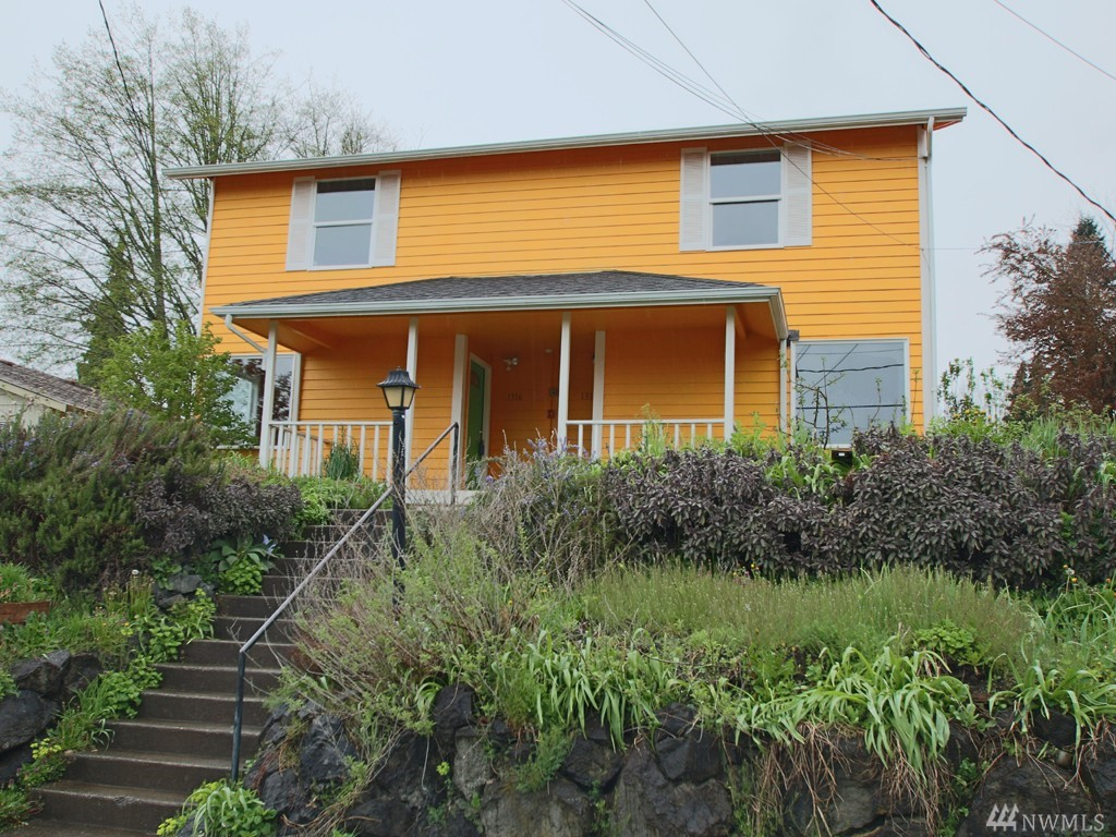 Great Central Location, walk or bike to shopping, schools, parks, and downtown Olympia waterfront, farmer's market, State Capitol, etc! Duplex w/nearly 1200sf, great room, dining, kitchen - all appliances included, 2 beds - both with large closets, 1.5 baths each side! Covered front porch and back patio, alley access. Newer exterior siding, paint and roof!