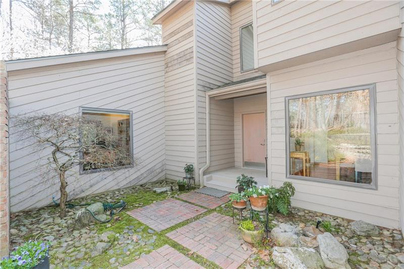 4 Misty Ridge Manor, Atlanta, GA 30327