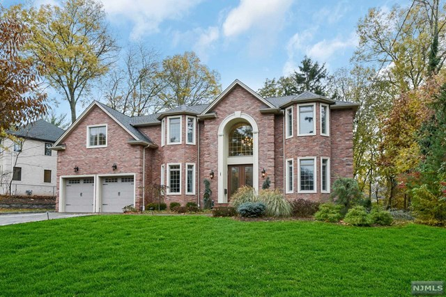 121 Alpine Drive, Closter, NJ 07624