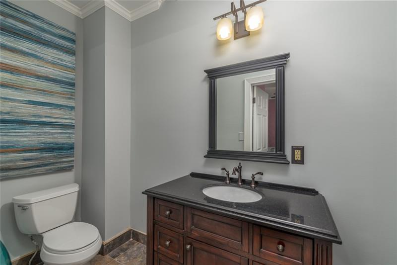 Add'l view of FULL spare bath for 2nd bedroom-Large vanity & plenty of cabinet space too!
