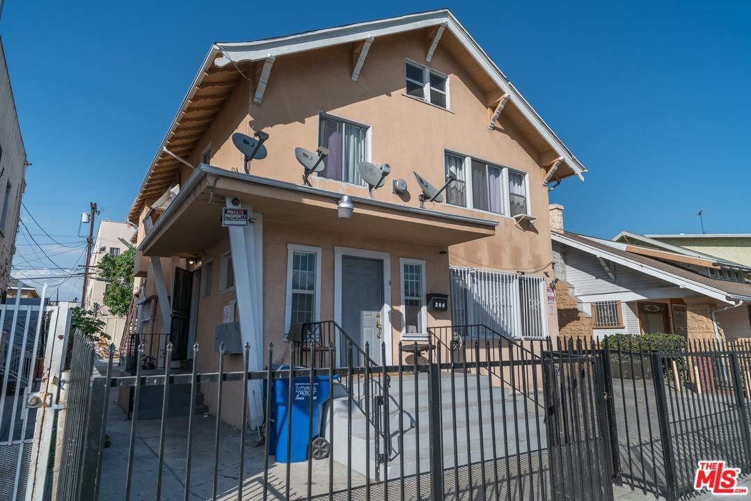 205 W VERNON Avenue, Los Angeles (City), CA 90037