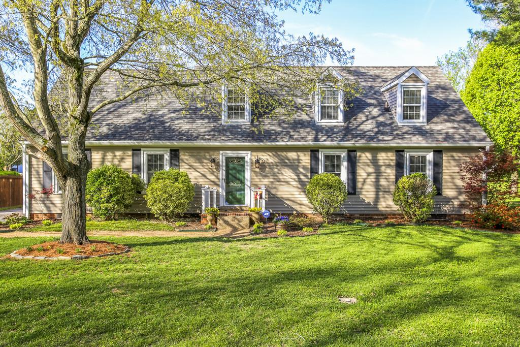 221 Countryside Dr