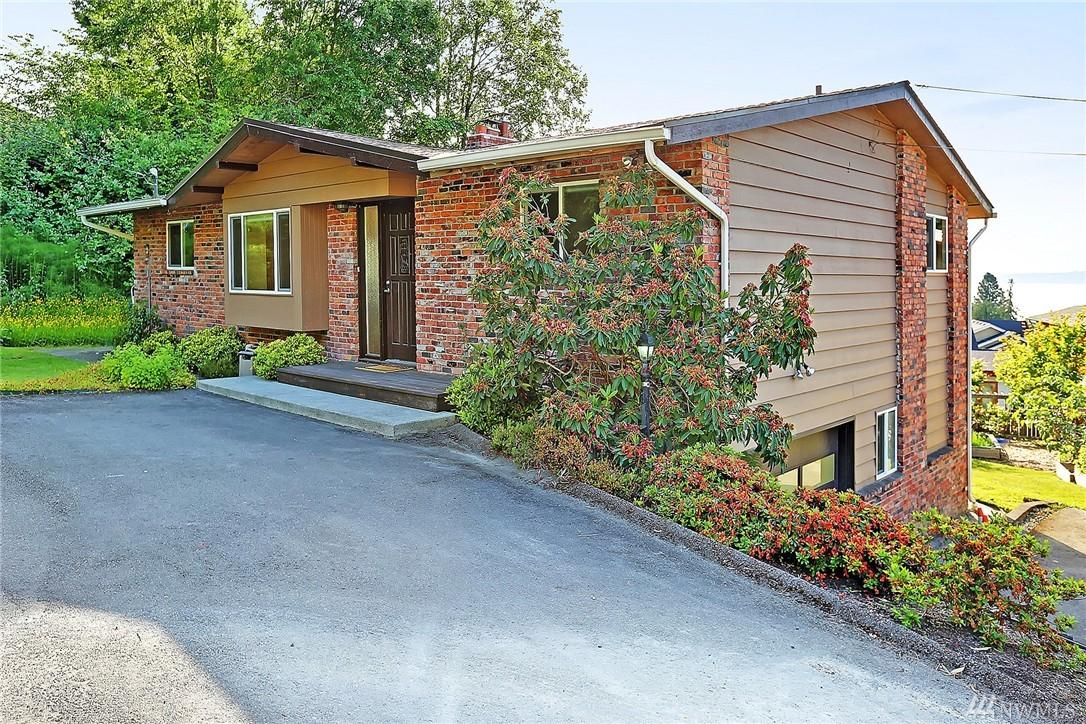9357 Calfornia Dr SW, Seattle, WA 98136