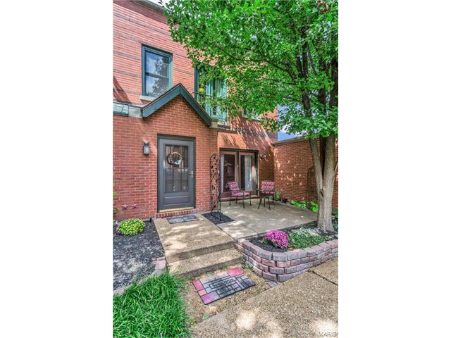 2355 Albion Place, St Louis, MO 63104