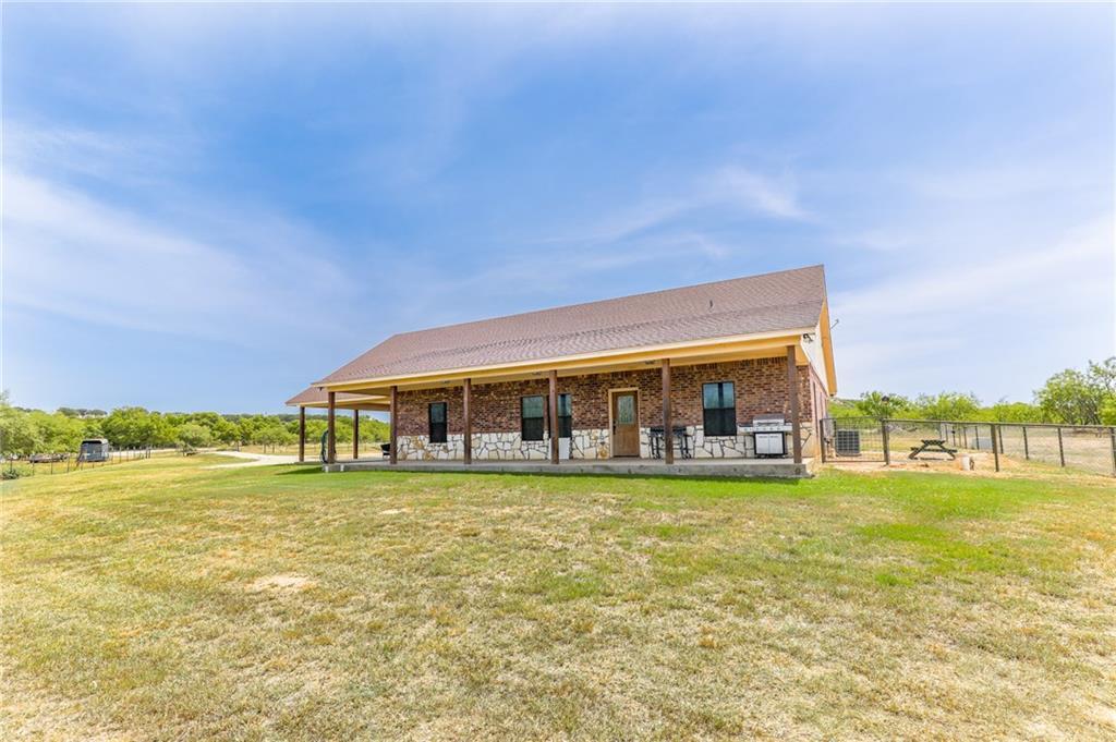 471a Crooked Creek Road, Jacksboro, TX 76458