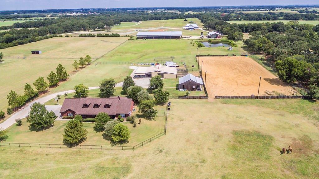 1875 E Blackjack Road, Pilot Point, TX 76258