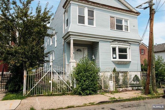 659 S 14th Street, Newark, NJ 07103