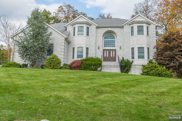 7 Victoria Lane, Ringwood, NJ 07456