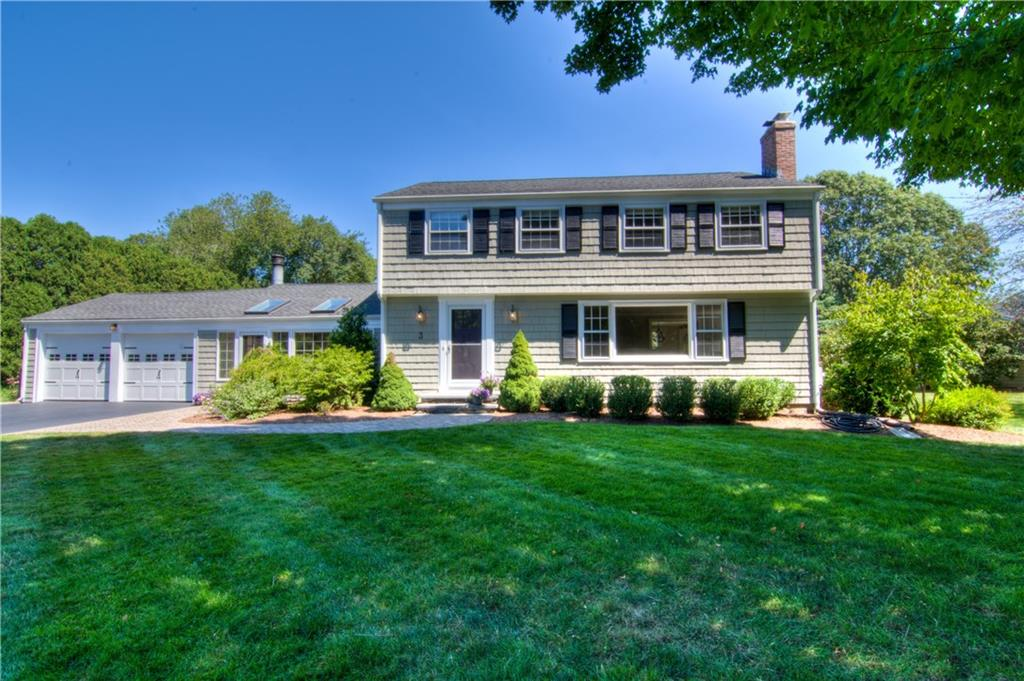 3 Glenfield RD, Barrington, RI 02806