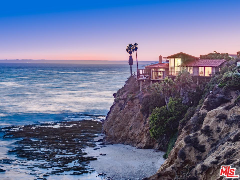 102 MCKNIGHT Drive, Laguna Beach, CA 92651