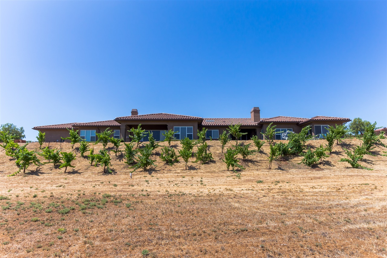 30848 Hilltop View Ct, Valley Center, CA 92082