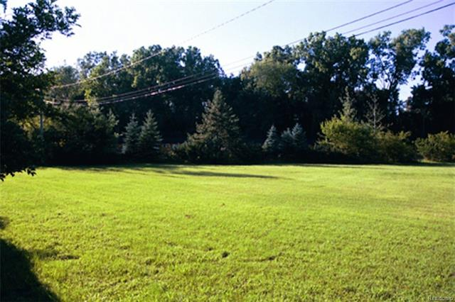 """Total 5.01 acres, 240' x 910', zoned commercial with 240' frontage on Telegraph Road is offered for sale. 15 years ago these original 5.01 acres had been split on 2 parcels: Parcel #1 on 2.06 acres zoned B-2 Community Business, currently used as a motel (""""Palace Motel"""", profitable and well maintained). Parcel #2 on 2.95 acres zoned l-1 Light Industrial, currently wooded site just behind the motel. The property can be used as is, or redeveloped on all 5.01 acres. Survey is available."""
