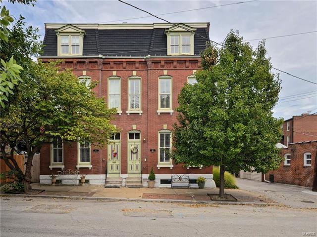 1815 Crittenden Street, St Louis, MO 63118