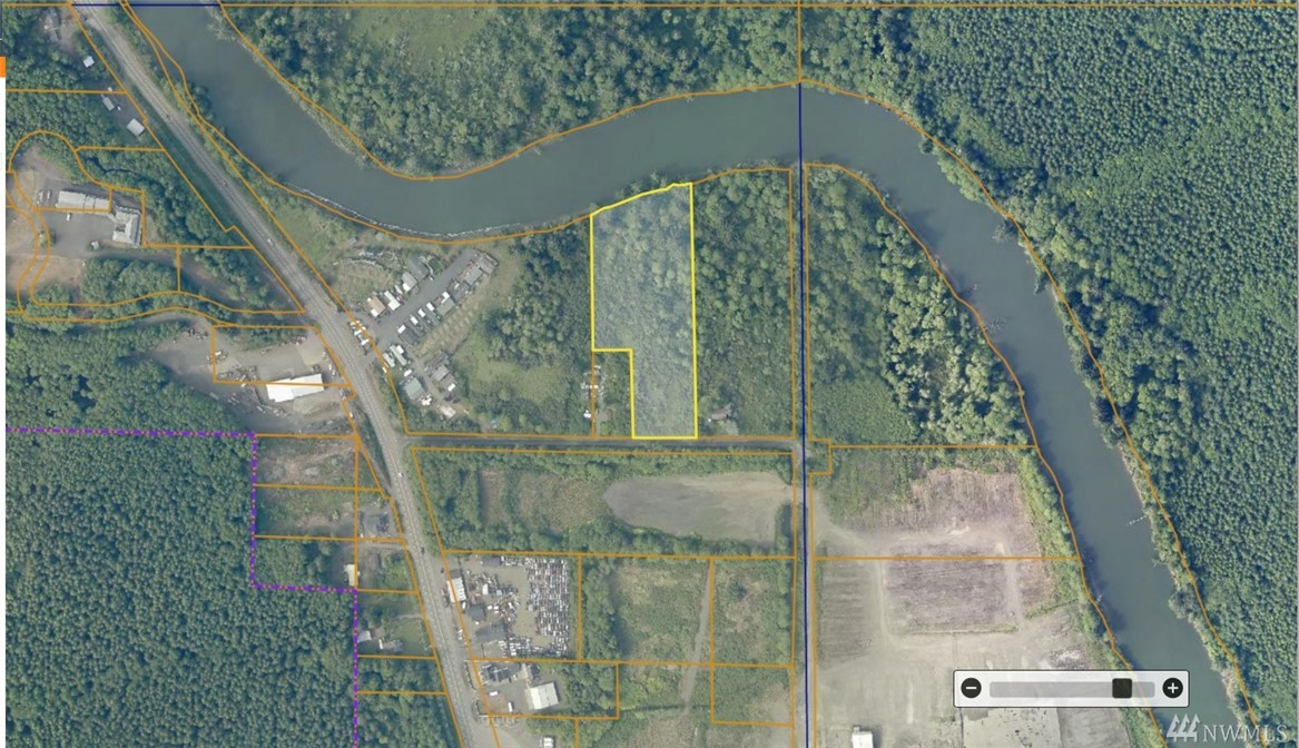 Great piece of property on the Hoquiam River. Approximately 300 feet of riverfront and approximately 180 ft of road frontage. This 4.51 acre parcel is close to town, beaches, and a national park. Enjoy peace and quiet and the convenience of living in North Hoquiam. Power is very close by and the lot should be buildable.