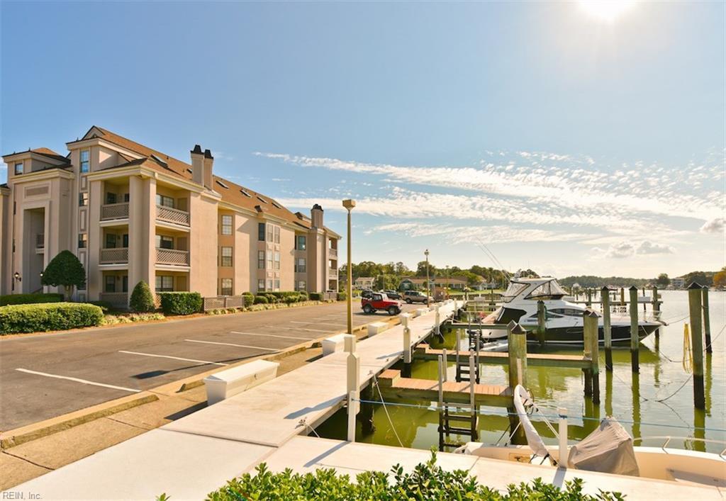 417 Harbour Point 201, Virginia Beach, VA 23451