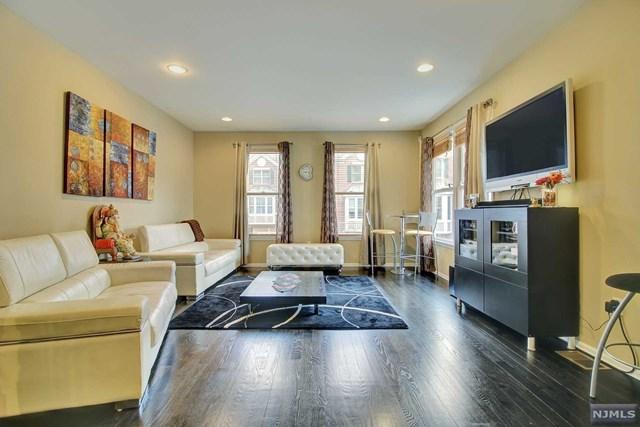 435 Albany Court, West New York, NJ 07093