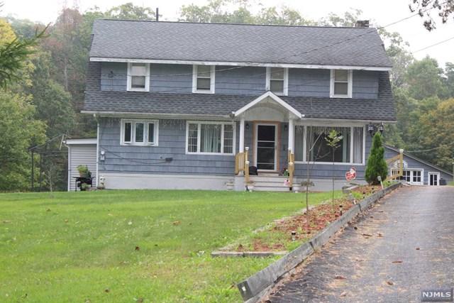 1846 Macopin Road, West Milford, NJ 07480