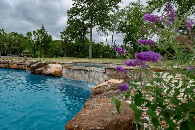 6560 Olympia Buddy Road, College Station, TX 77845