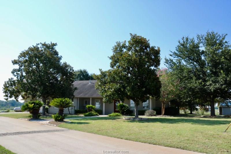 7199 Hassell Lane, Navasota, TX 77868