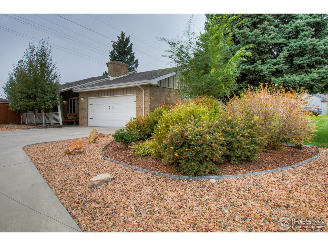 NEW PRICE! Watch a video tour: http://bit.ly/2Qq91B1. Walk into this wide open ranch floorplan & experience a hearkening to intentional architecture. With real wood fireplace & exposed support beams in the lg great room, this recently renovated home has granite counters, wood floor, updated paint colors & new appliances. The outdoors welcome you with new decks, pergola, thoughtful new landscaping & large mature trees. Windsor schools & commutable location make this a show stopper; see it today.