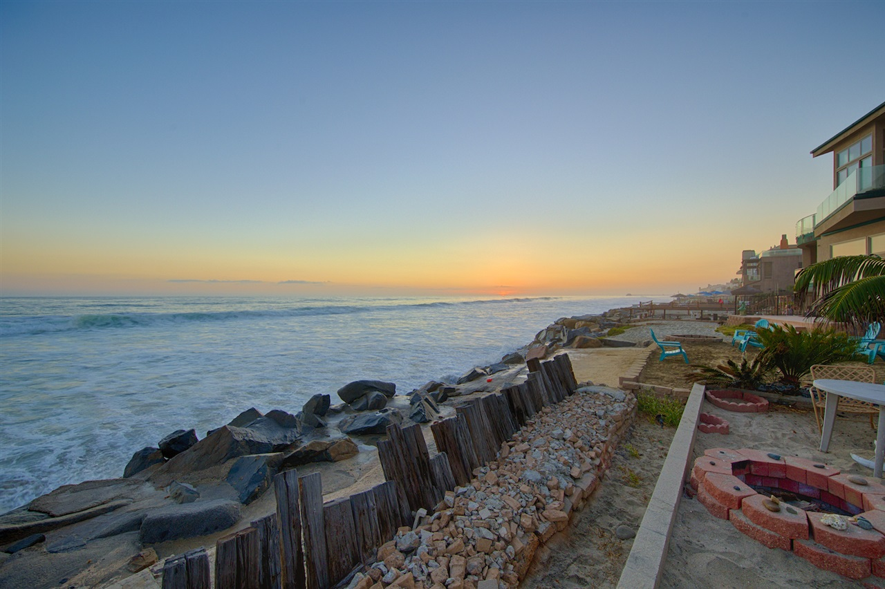 1725 S Pacific St, Oceanside, CA 92054