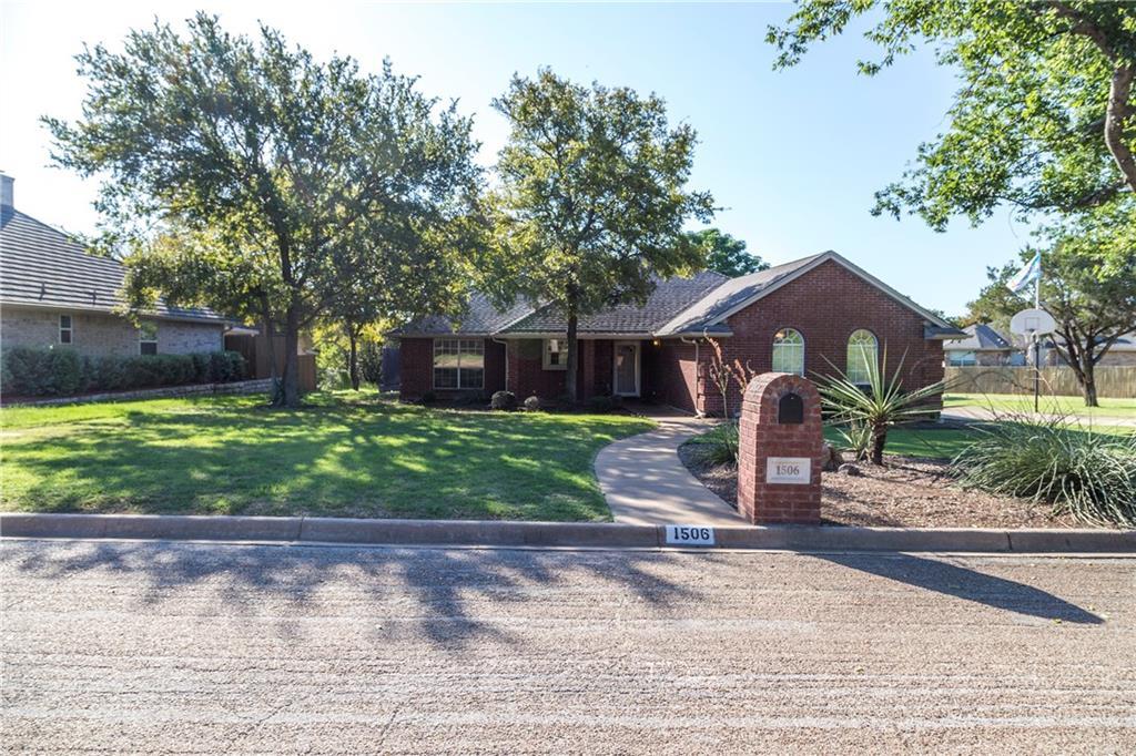 1506 Lakecrest Circle, Granbury, TX 76048