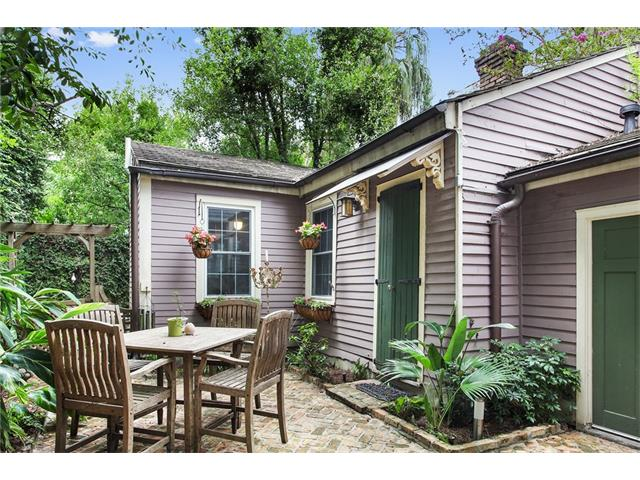 Tiny houses in new orleans crescent city living 823 burgundy street 1 sciox Image collections