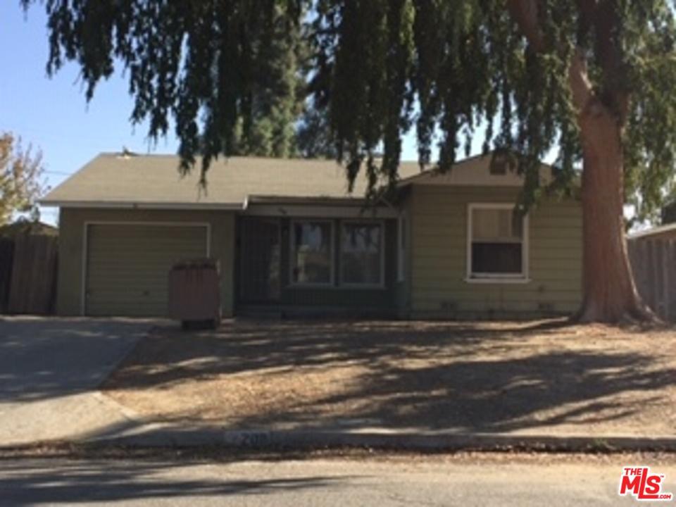208 S MYRTLE Street, Bakersfield, CA 93304