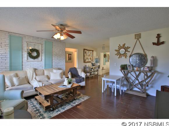831 9th Ave, New Smyrna Beach, FL 32169