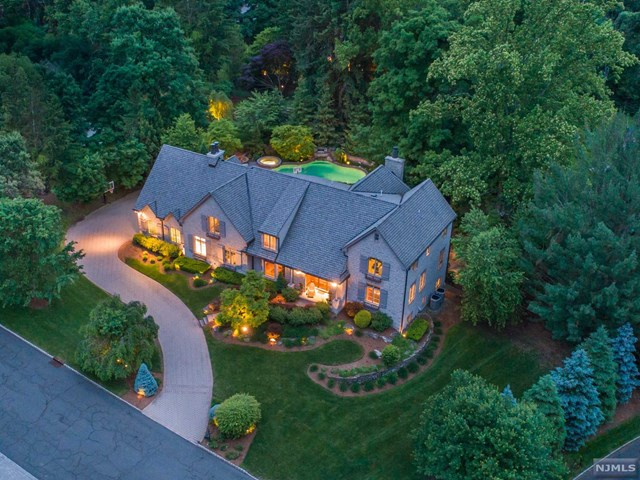 101 Evergreen Court, Franklin Lakes, NJ 07417