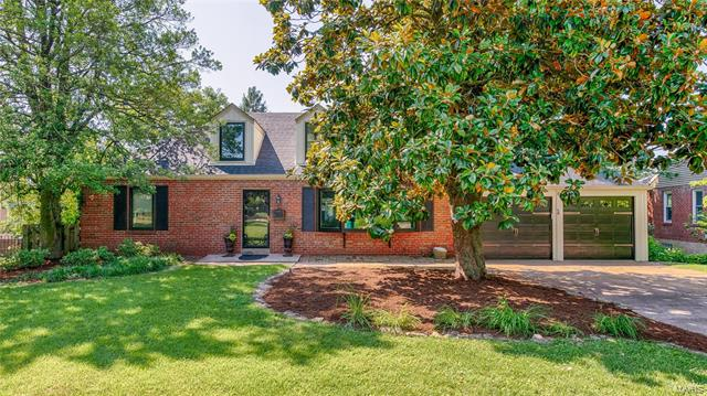 4 Girard Drive, Webster Groves, MO 63119