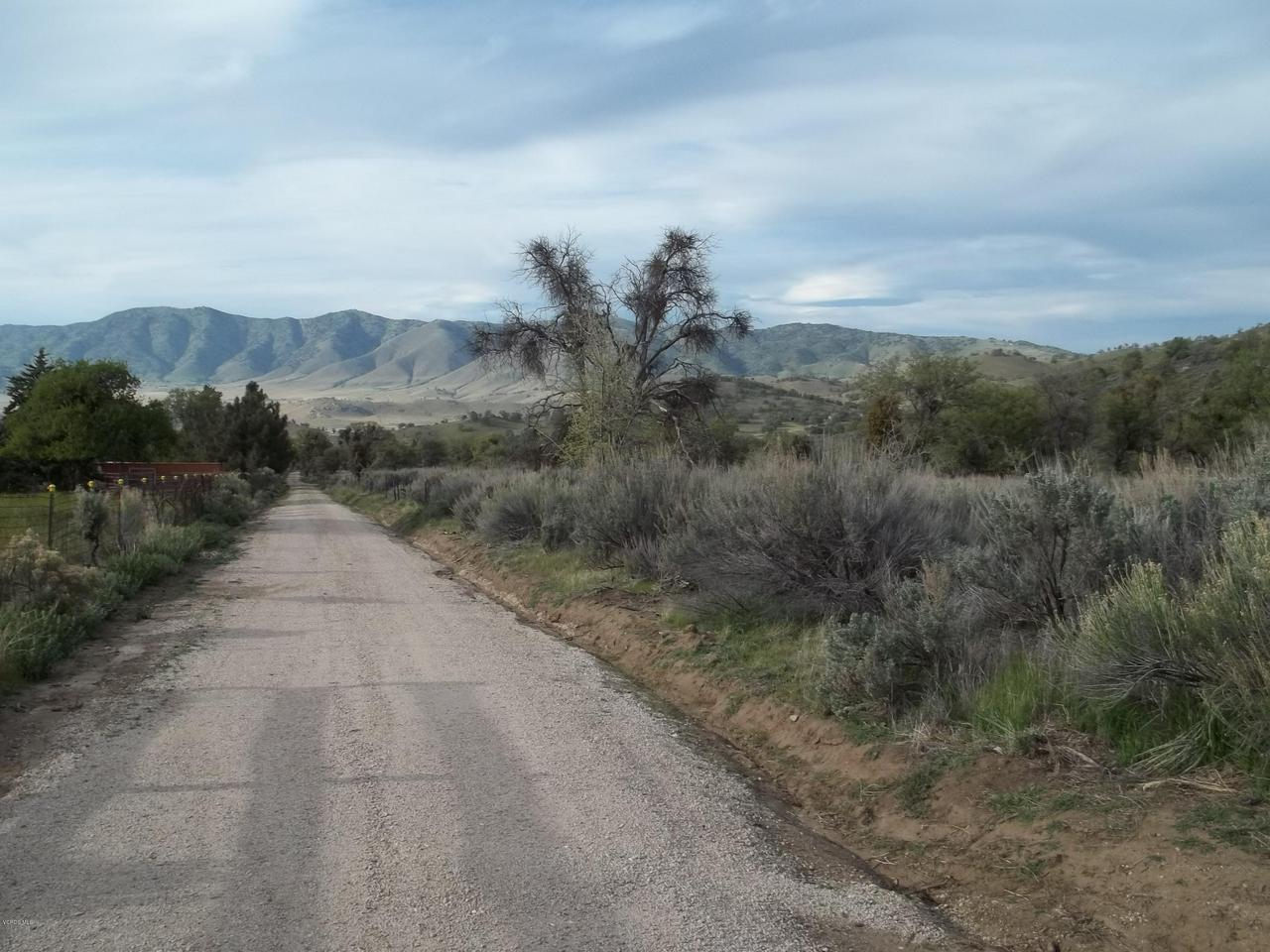 18208 OLD RANCH Road, Tehachapi, CA 93561