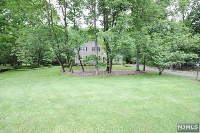 22 Lenape Trail, Warren, NJ 07059